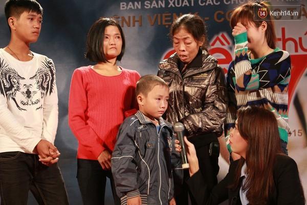 Vì chăm sóc Thắng, bà Hoa phải rời xa chồng và các con ở quê để lên Hà Nội, ngày đêm túc trực  tại bệnh viện K.