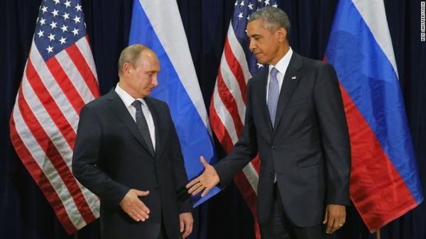 Tổng thống Mỹ Obama cố gắng bắt tay với tổng thống Nga Putin tại cuộc họp của Liên hiệp quốc tổ chức tại New York tháng 9/2015 trong không khí căng thẳng đối đầu Mỹ - Nga về vấn đề Ukraine, Syria gần đây.