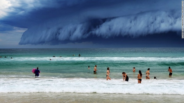 Một cơn bão lớn chuẩn bị đổ bộ vào cảng Sydney, Úc (ngày 6/11).