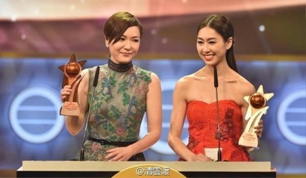 Lễ trao giải TVB Astro của Malaysia đột phá khi công nhận đồng Thị Hậu: Điền Nhụy Ni và Hồ Định Hân. Liệu ai trong hai người sẽ đăng quang lần nữa tại đại lễ TVB lần thứ 49?
