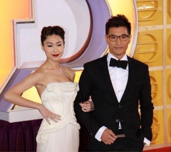 Trần Triển Bằng đã 2 lần đăng quang Thị Đế ở các lễ trao giải tiền TVB như Astro của Malaysia và StarHub của Singapore.