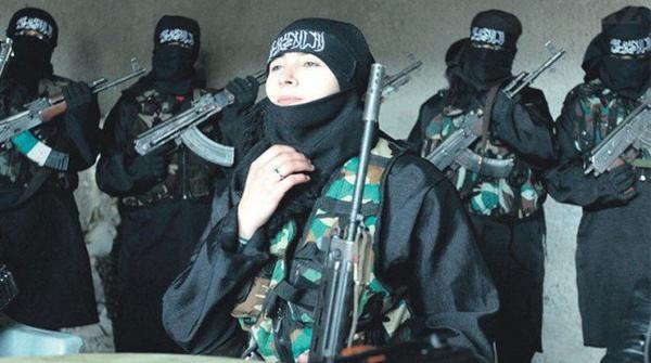 Một cô gái người Áo lộ mặt tham gia đội quân IS.
