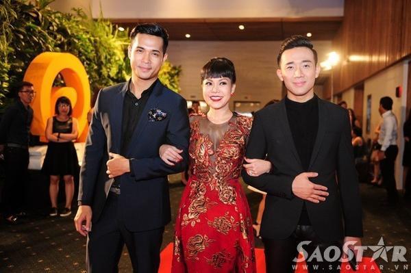 Việt Hương đến sự kiện cùng Trấn Thành và Trương Thế Vinh.