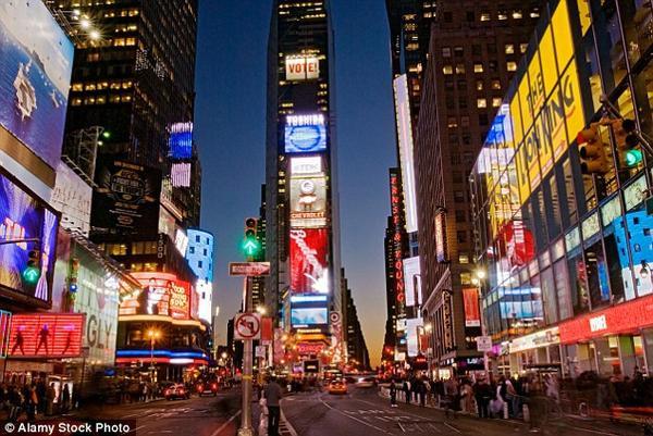 Địa điểm được check-in đứng thứ 3 trên Facebook là Quảng trường Thời đại tại thành phố New York.