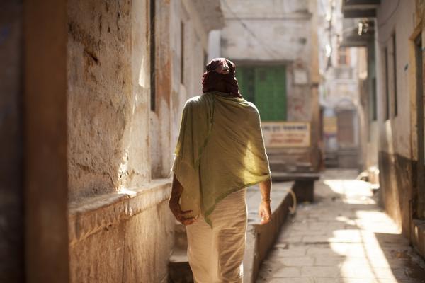 Người đàn ông ở Varanasi_Ấn Độ