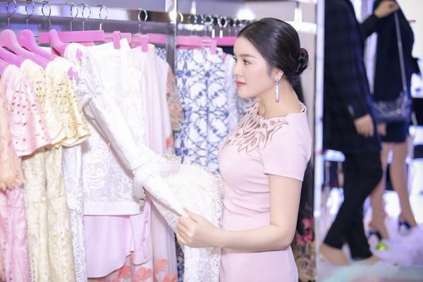 Ly Nha Ky (10)