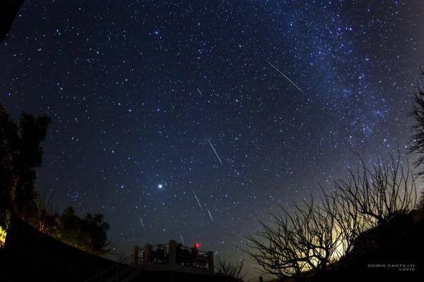 Mưa sao băng đêm 14/12 trên công viên Tisma Star, thành phố Masaya, Nicaragua. Ảnh: Earth Sky