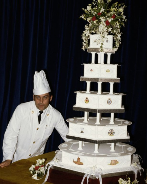 Chiếc bánh cưới của công nương Diana