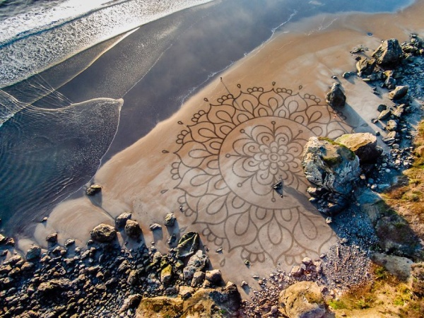 sand-paintings-earthscape-andres-amador-3