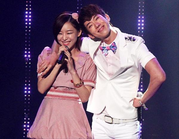 Xuất hiện từ tập 8 đến tập 66, Gain là chị vợ dễ thương, lôi cuốn, còn anh chồng trẻ Jo Kwon dí dỏm và chu đáo. Sau chương trình, họ tiếp tục duy trì tình bạn tốt đẹp.