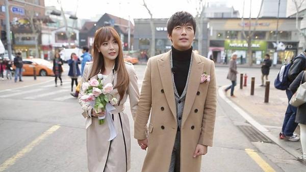 Sự kết hợp giữa nam diễn viên Nam Goong Min và nữ ca sĩ nhạc trot Hong Jin Young mang đến hiệu quả bất ngờ. Cả hai là vợ chồng từ mùa thứ 4, trong tập 214 đến 262.