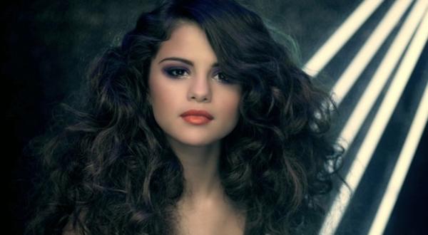 Ca sĩ Selena Gomez.