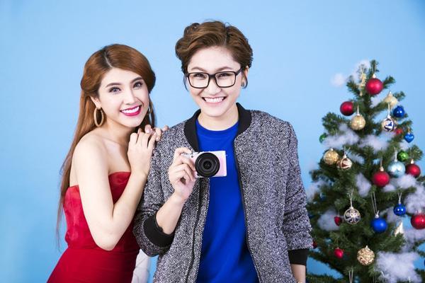 Tuy nhiên, vì bận việc đột xuất ở phút cuối nên Phượng Vũ không thể tham gia cùng 2 người bạn thân ở The Voice là Vicky Nhung và Tố Ny.
