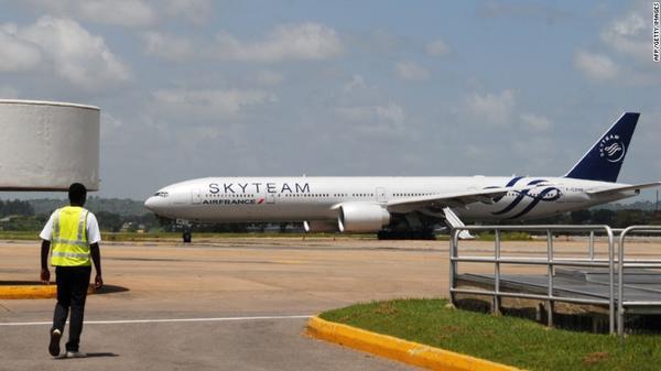 151220090010-kenya-air-france-flight-exlarge-169