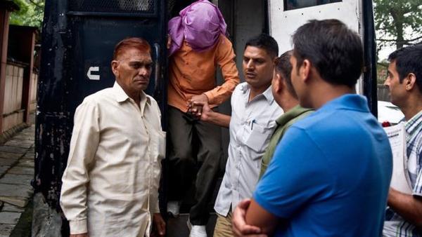 Tội phạm trẻ tuổi nhất trong vụ án cưỡng hiếp tập thể chấn động 2012 được phóng thích sau 3 năm tù giam khiến dư luận Ấn Độ vô cùng phẫn nộ.