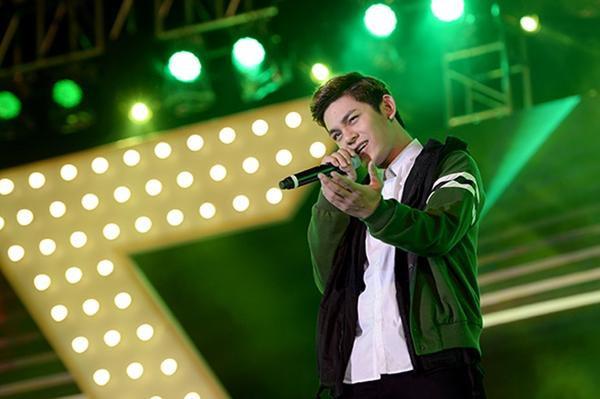 Sơn Ngọc Minh - cựu thành viên nhóm V.Music thể hiện bản hit Only You.