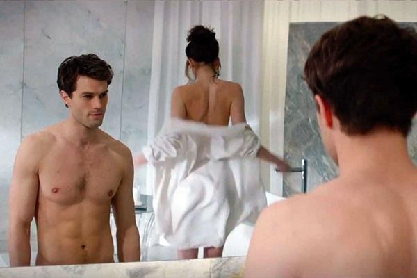 Cảnh nóng là sự níu kéo duy nhất ở Fifty Shades of Grey.