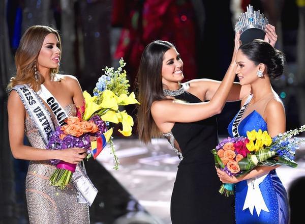 Vương miện thuộc về mỹ nhân Philippines Pia Alonzo Wurtzbach khiến dàn thí sinh bất ngờ không kém.
