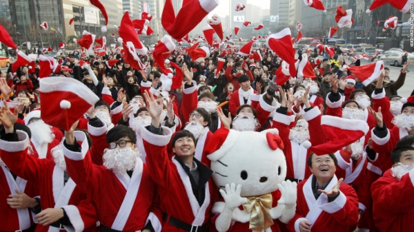south korean dressing as santa in an event in seoul