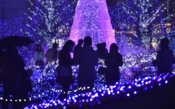 tokyo 270,000 led lights o caretta shiodome shopping complex