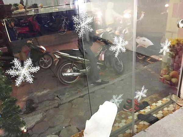 Chiếc xe Honda và người chồng đáng mơ ước trong đêm Noel - (Ảnh: FB Đỗ Quang Khánh)