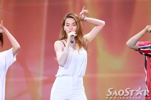 Hồ Ngọc Hà từng là thí sinh của cuộc thi Siêu mẫu Việt Nam.