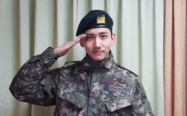 Yunho và Changmin gửi lời cảm ơn tới người hâm mộ của mình từ quân đội