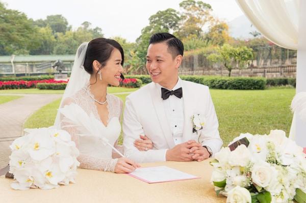 Hồ Hạnh Nhi và Philip Lee ký hôn ước.