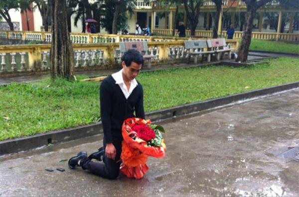 7. những màn van xin níu kéo tình cảm của Trai Việt