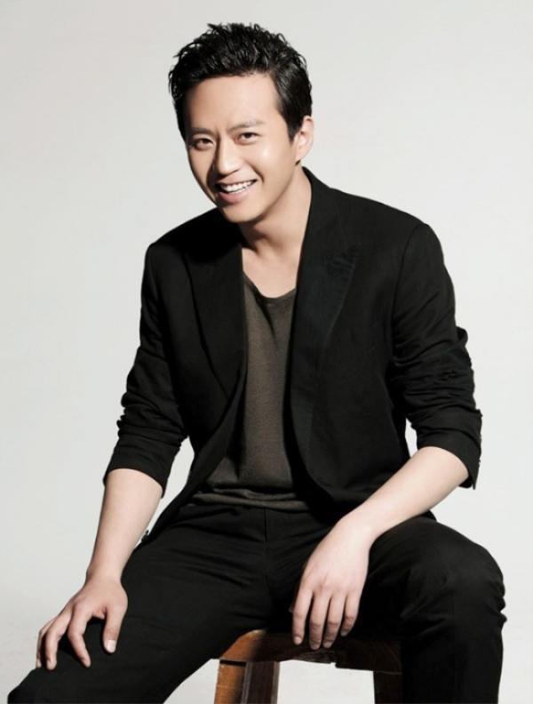 Đặng Siêu xếp vị trí thứ 3. Anh có một năm thành công với show Running Man nên được chú ý đặc biệt.