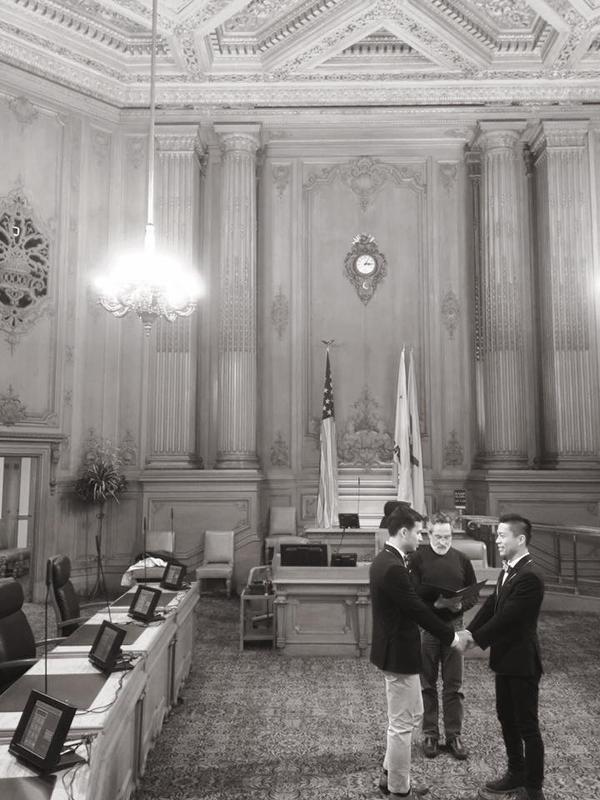 Cả hai hạnh phúc khi chính thức kết hôn hợp pháp mối quan hệ vợ chồng tại tòa thị chính San Francisco, Mỹ.