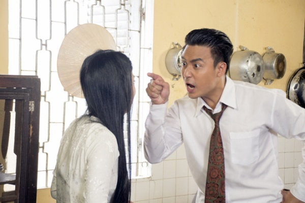 Quynh Lam bi chong hat hui - Phim Hai Nguoi Vo (5)