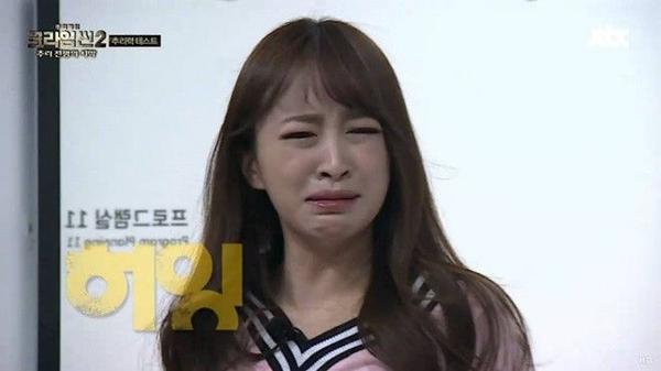 Là thành viên chính của show thực tế về...hình sự Crime Scene, Hani vẫn khiến nhiều khán giả đổ gục vì số số biểu cảm hài hước