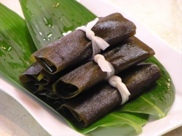 """Konbu: Loại tảo biển này có liên quan tới từ """"yorokobu"""", nghĩa là """"niềm vui"""". Ảnh: Takaojapan/Blogspot."""
