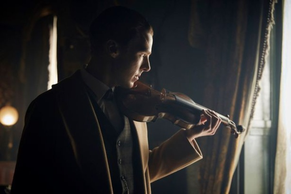 Tạo hình của Holmes trong tập này rất giống với minh hoạ trong nguyên tác