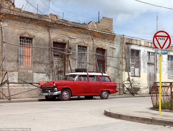 congvienkyJurachoxeotocoCuba-11