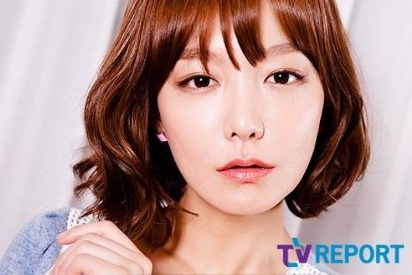 Nữ diễn viên Shin So Yul không chỉ bị lừa tiền 1 mà tới 2 lần. Ngôi sao Reply 1997 kể lại sự việc trong nước mắt khi tham gia show truyền hình Full House.