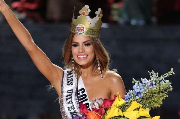 Mất vương miện nhưng người đẹp Colombia rộng đường tiến thân.