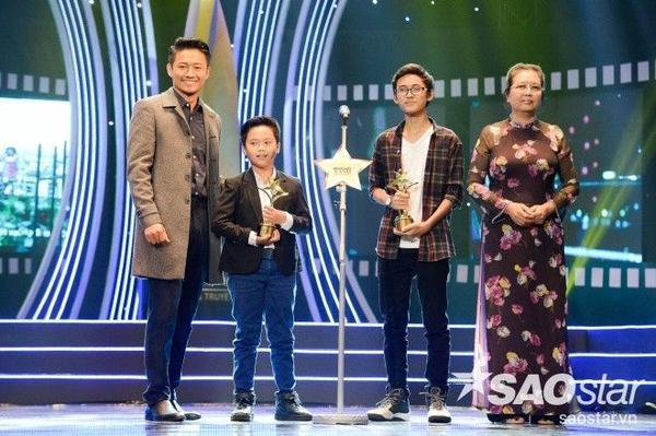 Hai diễn viên nhí Thịnh Vinh, Trọng Khang giành giải Gương mặt điện ảnh triển vọng.