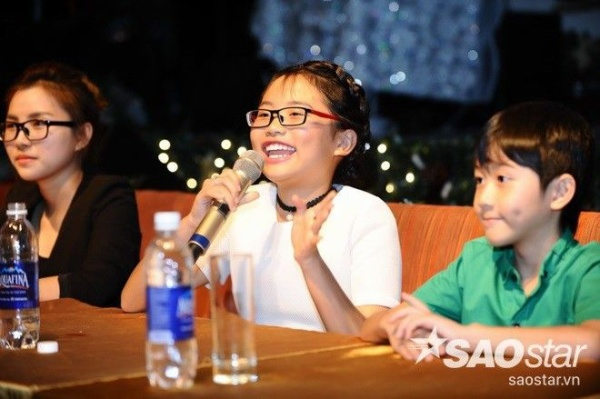 """Chia sẻ về phim ngắn Nhật ký cho ba, """"Cô bé dân ca"""" tiết lộ phim ca nhạc sẽ có độ dài 20 phút. Đây là câu chuyện về một gia đình nghèo ở một vùng nông thôn."""