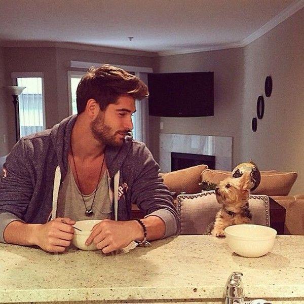 Loạt hình trai đẹp và chó từng gây sốt Instagram.