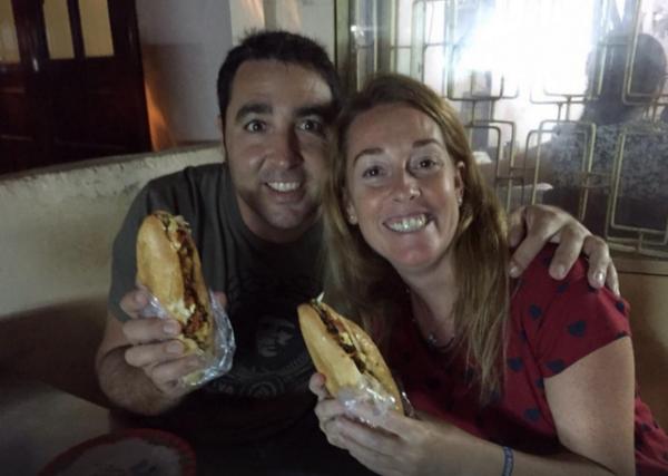 Ổ bánh mì của cụ Lộc đã chiếm trọn trái tim của rất nhiều khách du lịch.