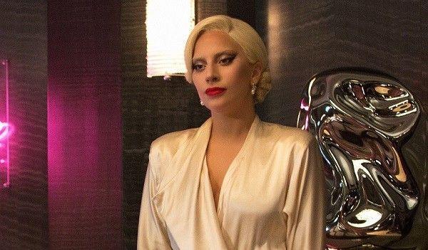 """Gaga xinh đẹp và đáng sợ trong """"American Horror Story""""."""