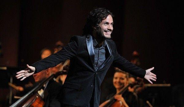 """Mùa 2 của """"Mozart in the Jungle"""" hứa hẹn tiếp tục khiến người xem chìm đắm trong âm nhạc và tiếng cười."""