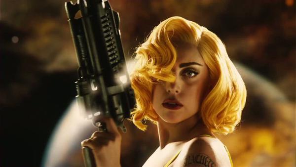 Phong cách điện ảnh của Gaga không khác ngoài đời là mấy