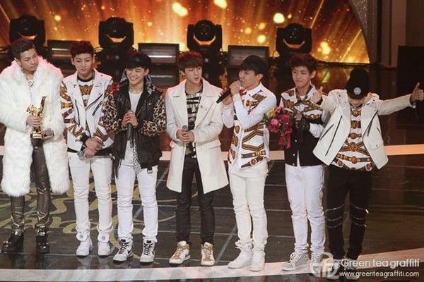 """BTS tại Lễ trao giải """"Grammy xứ Hàn"""" - Golden Disk Award lần thứ 28."""