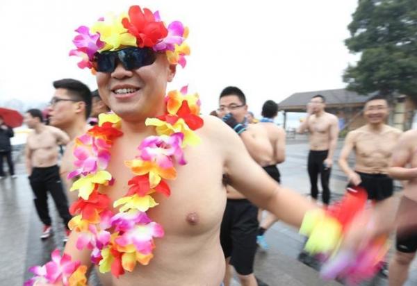 12. nakedrunning