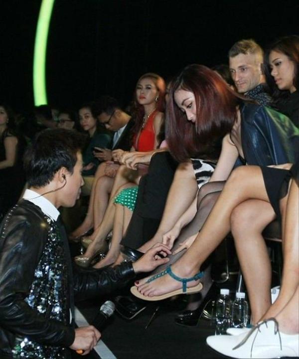 Cuối tháng 11/2014, Mai Hồ xuất hiện trên hàng ghế VIP để cổ vũ cho top 10 Thử thách cùng bước nhảy. Trong lúc chương trình dành thời gian cho quảng cáo, Trấn Thành nhanh chóng rời vị trí MC và di chuyển xuống sân khấu nhằm hỏi thăm, thể hiện cử chỉ quan tâm tới Mai Hồ.