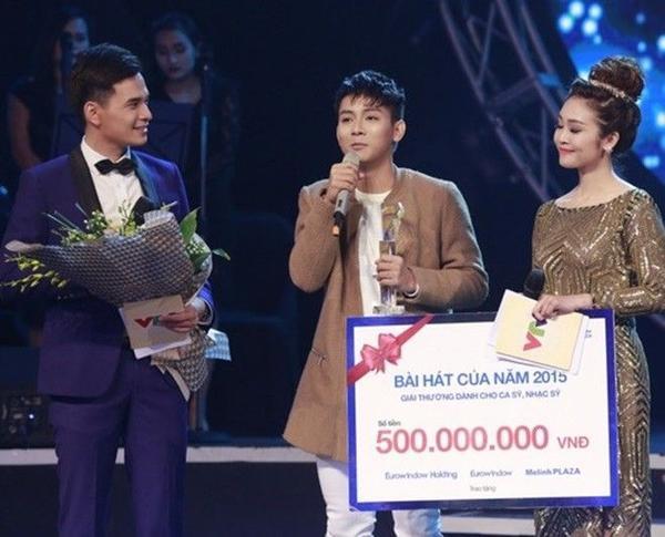 Hoài Lâm giành giải Bài hát của năm.