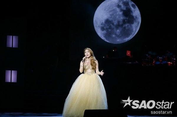 Nữ ca sĩ gửi tặng các fan tiếp Như một giấc mơ - bài hát từng mang đến nhiều may mắn cho bản thân.